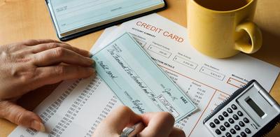 Paying_credit_card_debt