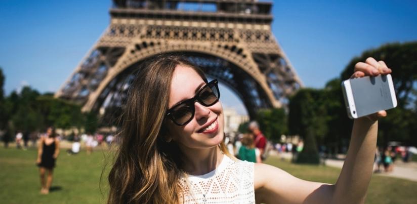 Rsz selfie at eiffle tower