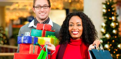 Couple christmas shopping